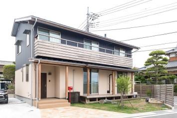 やさしさが続く、快適が変化する。富士ひのきが包む「木造ドミノの家」。