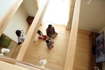 木の温もりに包まれた家族が仲良くなれる家 サブ画像9