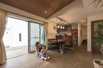 経年変化も楽しみな、自然素材×ヴィンテージの家 サブ画像1