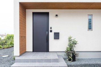 収納力抜群ですっきり暮らす、スクエアな外観の家 サブ画像9