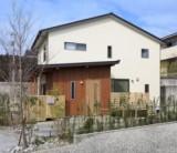フジモクの家施工事例「緑に寄り添い、自然光が心地いい家①」