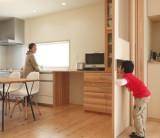 使いやすく、住まいの雰囲気にあわせた「フジモクの家 大工の手作り家具」