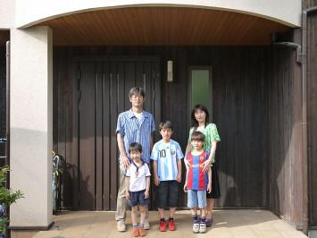 子どもたちが自由に動き回る、笑い声が絶えない楽しい家 サブ画像1