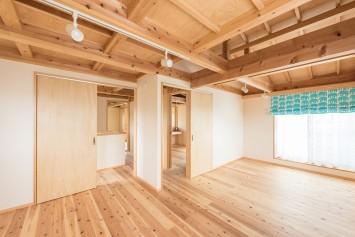 やさしさが続く、快適が変化する。富士ひのきが包む「木造ドミノの家」。 サブ画像6