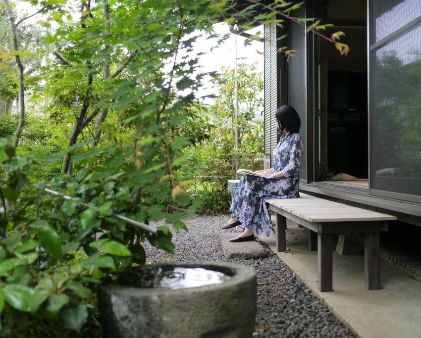 広縁を愉しむ庭のある家