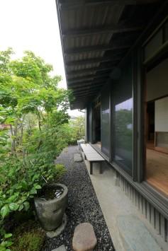 広縁を愉しむ庭のある家 サブ画像2