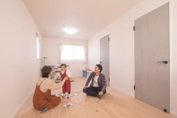 共働き・子育てママの笑顔が増えるひのきの家 サブ画像5