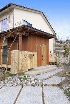緑に寄り添い、自然光が心地いい家 サブ画像4