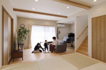 緑に寄り添い、自然光が心地いい家 サブ画像1